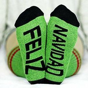 Arthur George Feliz Navidad Holiday Socks Green